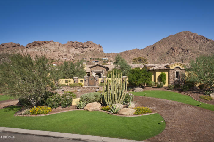 Camelback mountain view for sale in Paradise Valley
